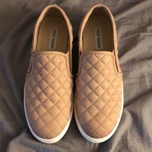 Light pink slide shoes